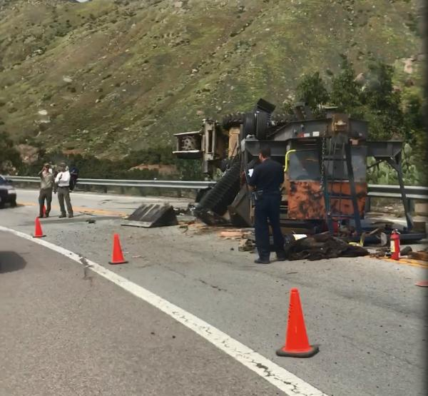 Construction trailer overturned - San Diego, CA - Navbug