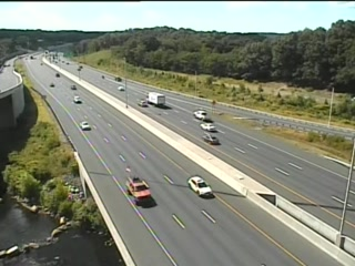 Cam 136 Waterbury I-84 EB @ Harpers Ferry Rd OP - Eastbound
