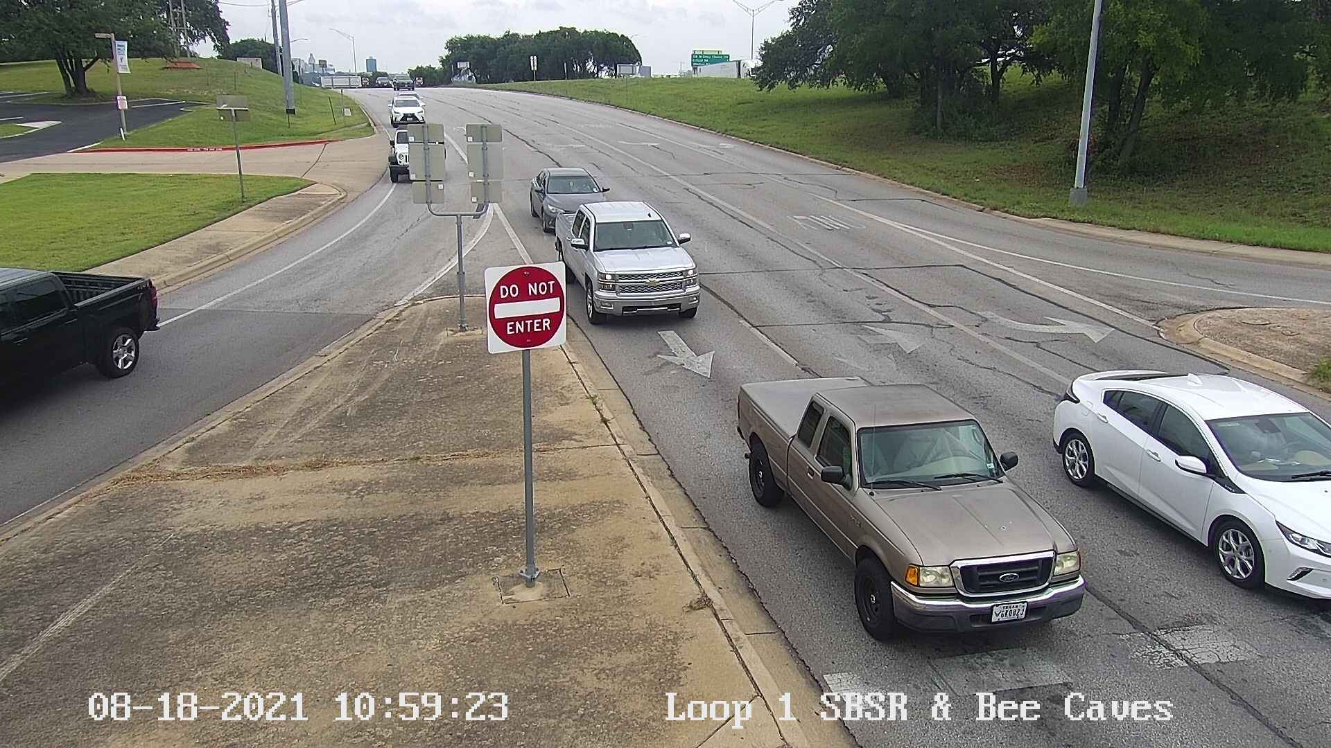 MOPAC EXPY SVRD / BEE CAVES RD