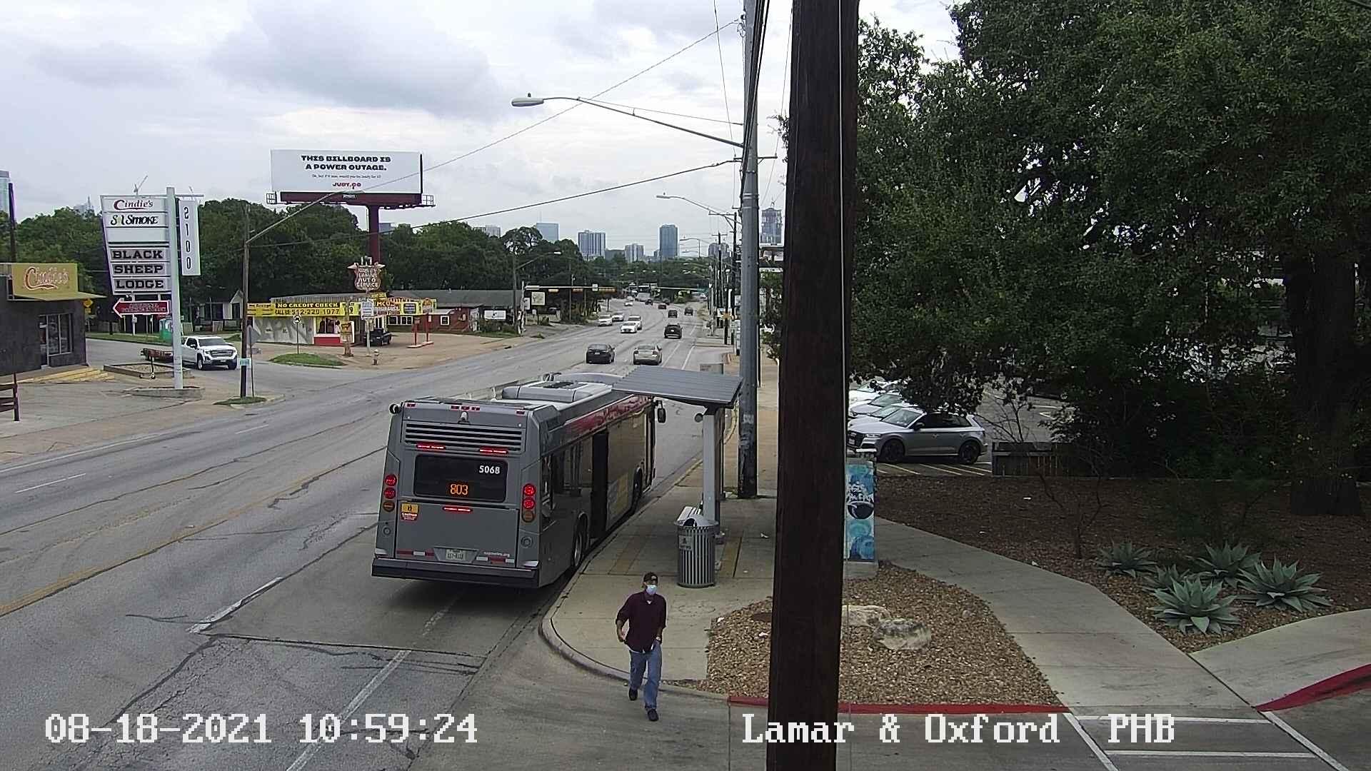 2100 BLK S LAMAR BLVD (Oxford Ave)